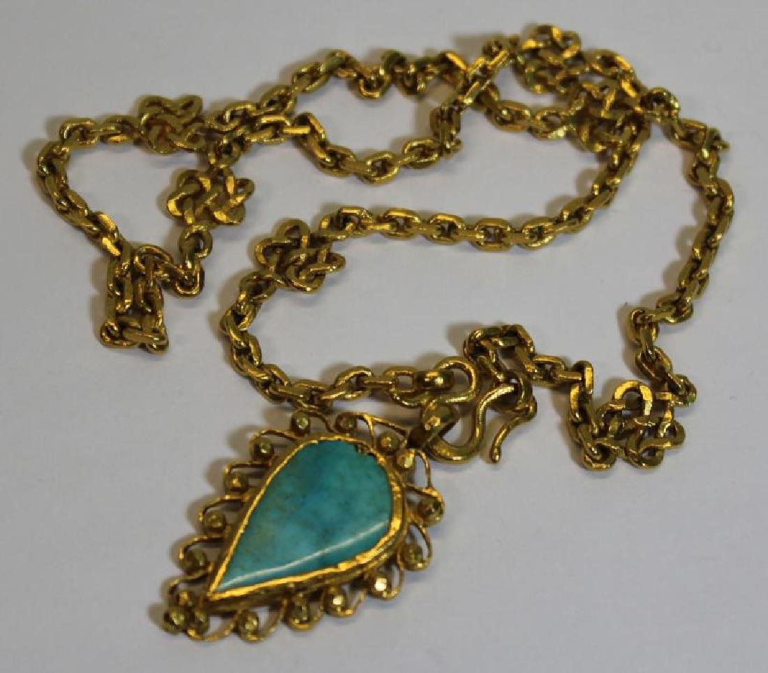 JEWELRY. 22kt Gold and Turquoise Necklace.