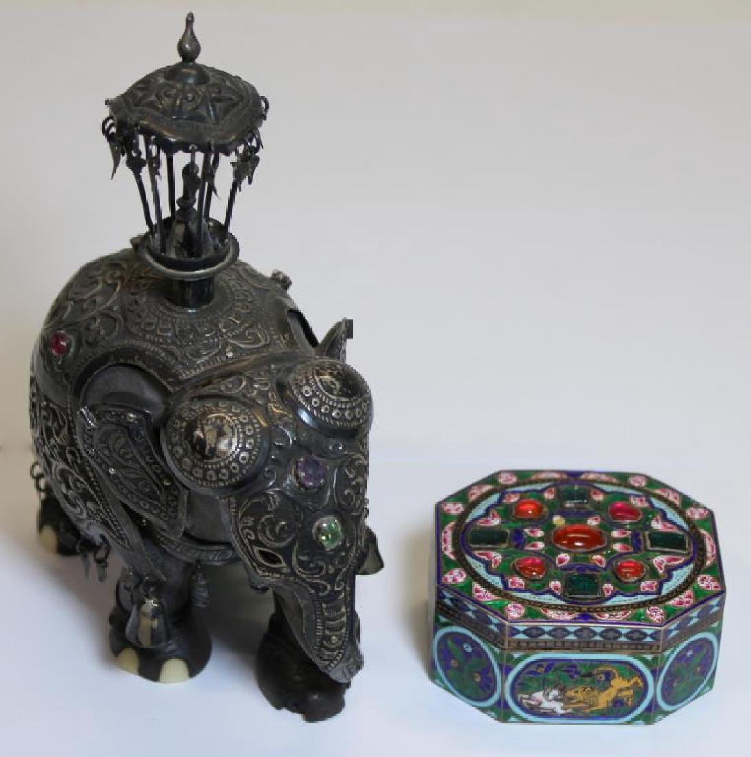 SILVER. Indian/Mughal Style Objets d'Art.