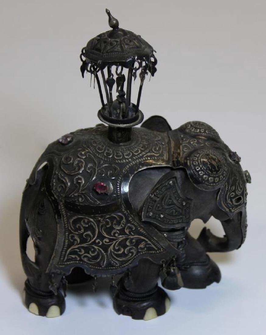 SILVER. Indian/Mughal Style Objets d'Art. - 2