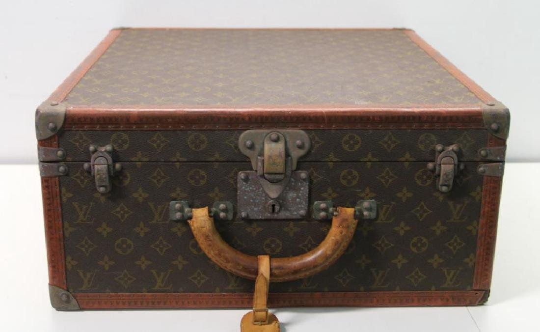 Vintage Louis Vuitton Suitcase. - 3