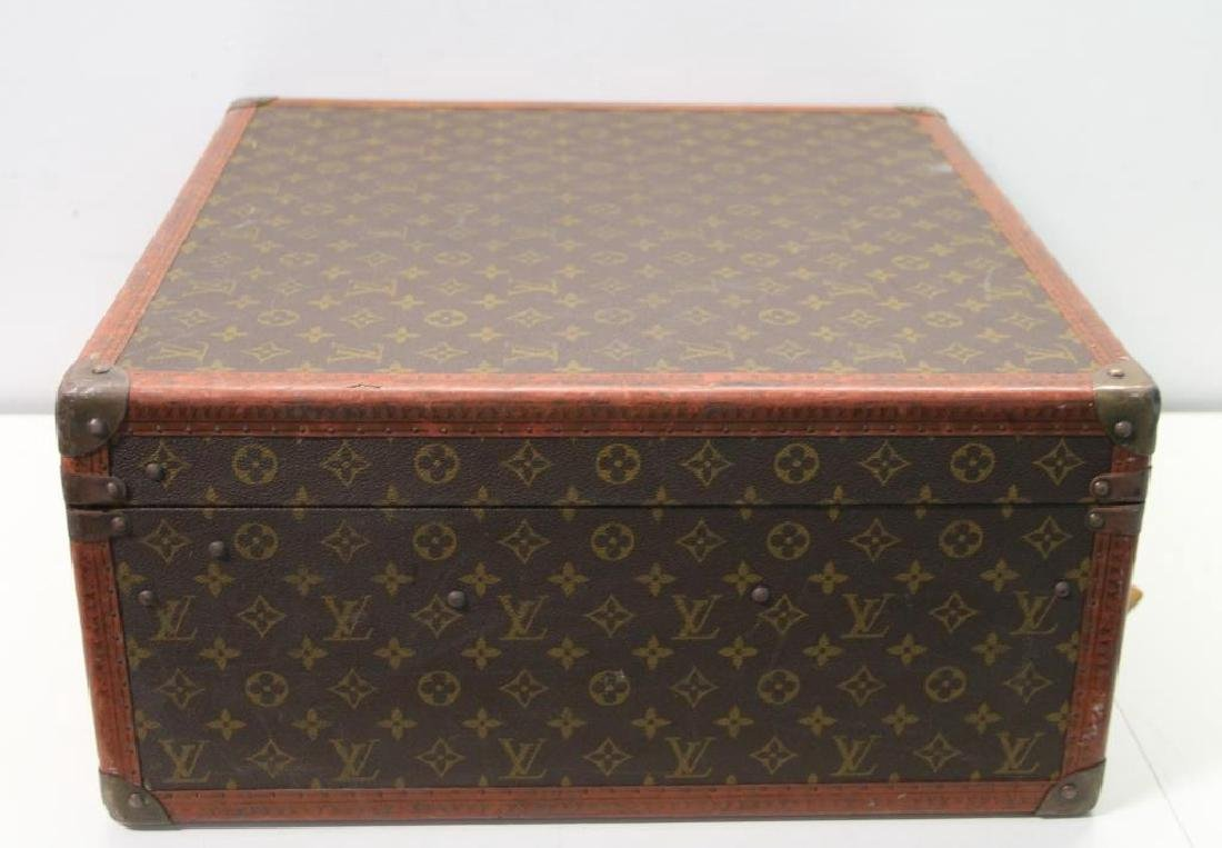 Vintage Louis Vuitton Suitcase. - 4