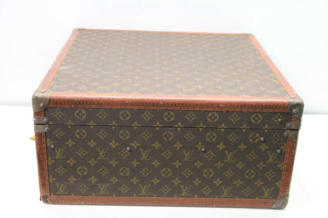Vintage Louis Vuitton Suitcase. - 6