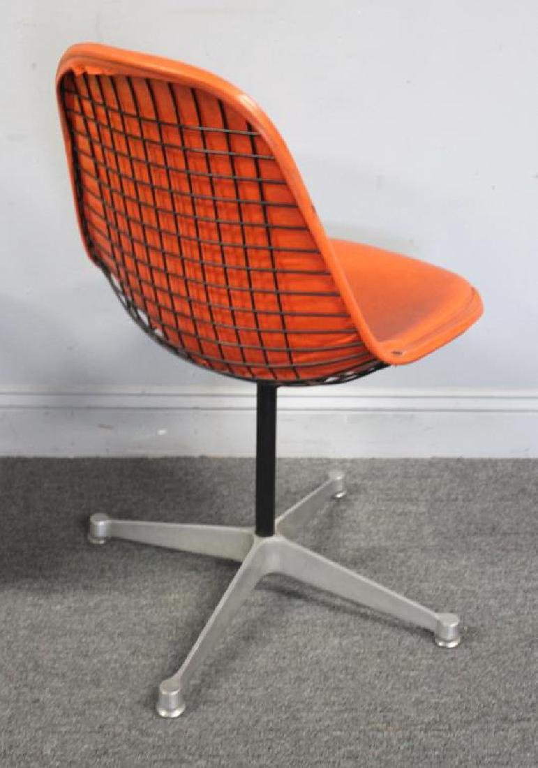 Herman Miller and Knoll Side Chair Lot. - 5