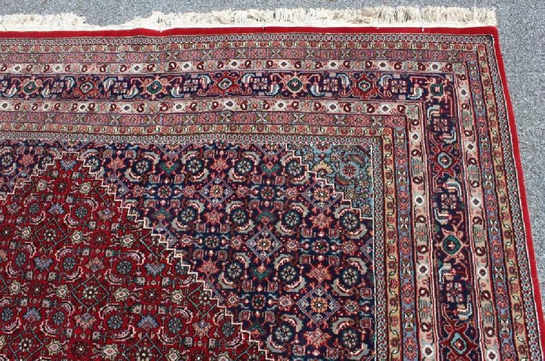 Fine Quality Vintage Handmade Roomsize Carpet. - 3
