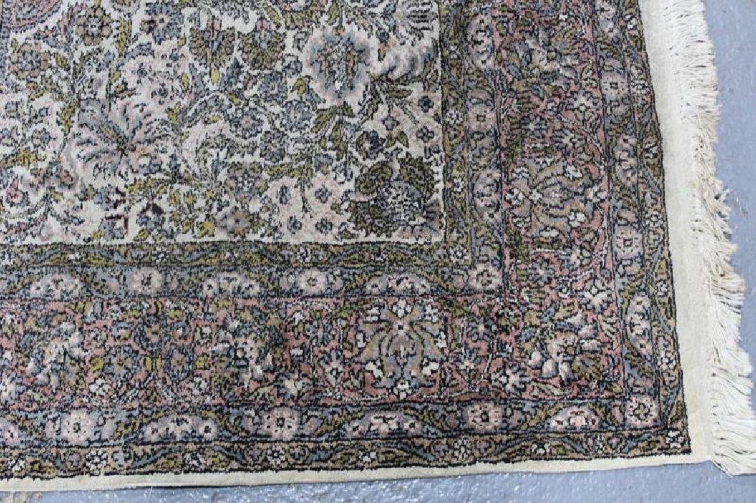 Vintage Finely Woven Handmade Carpet. - 3