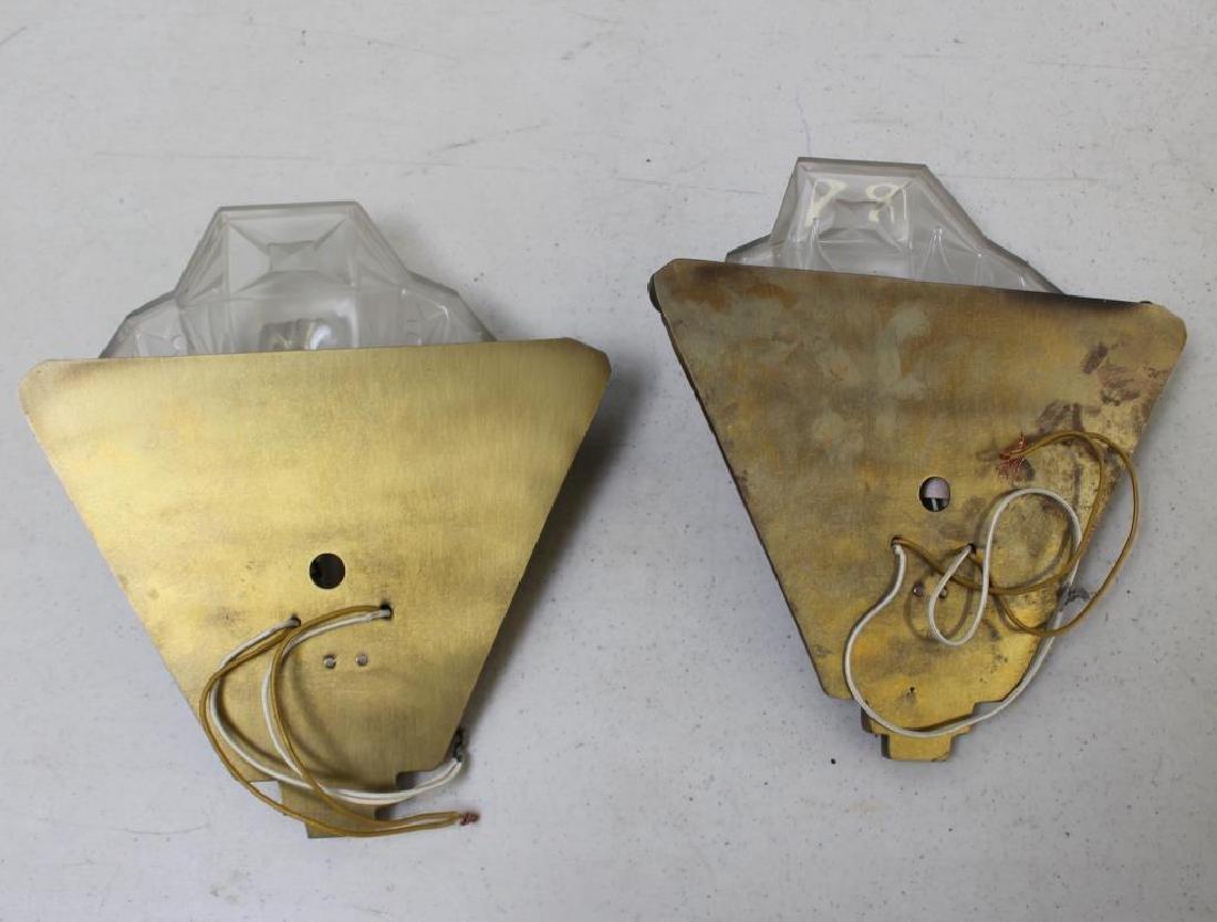 Pair of Art Deco Lalique Style Sconces. - 2