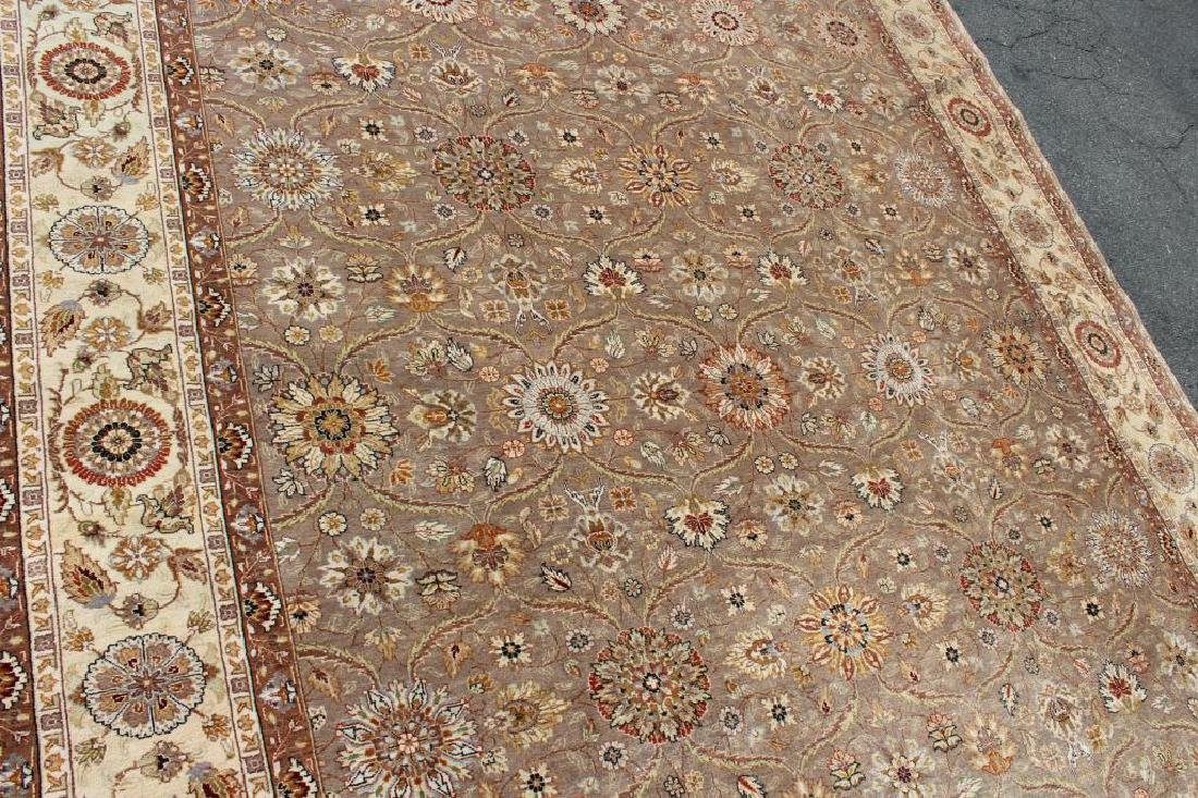 Vintage and Finely Woven Handmade Carpet. - 3