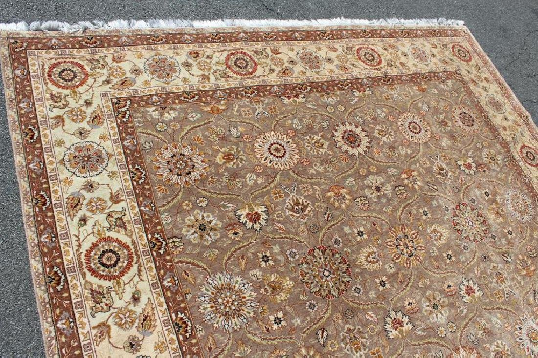 Vintage and Finely Woven Handmade Carpet. - 4
