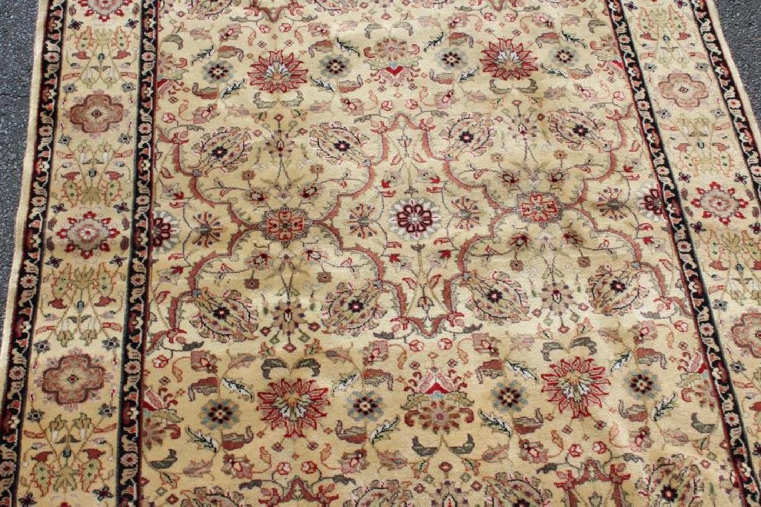 Vintage and Finely Woven Handmade Area Carpet. - 3