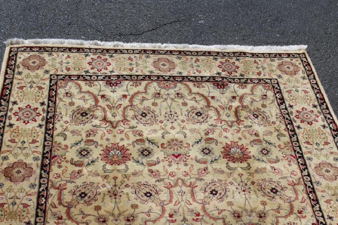 Vintage and Finely Woven Handmade Area Carpet. - 4