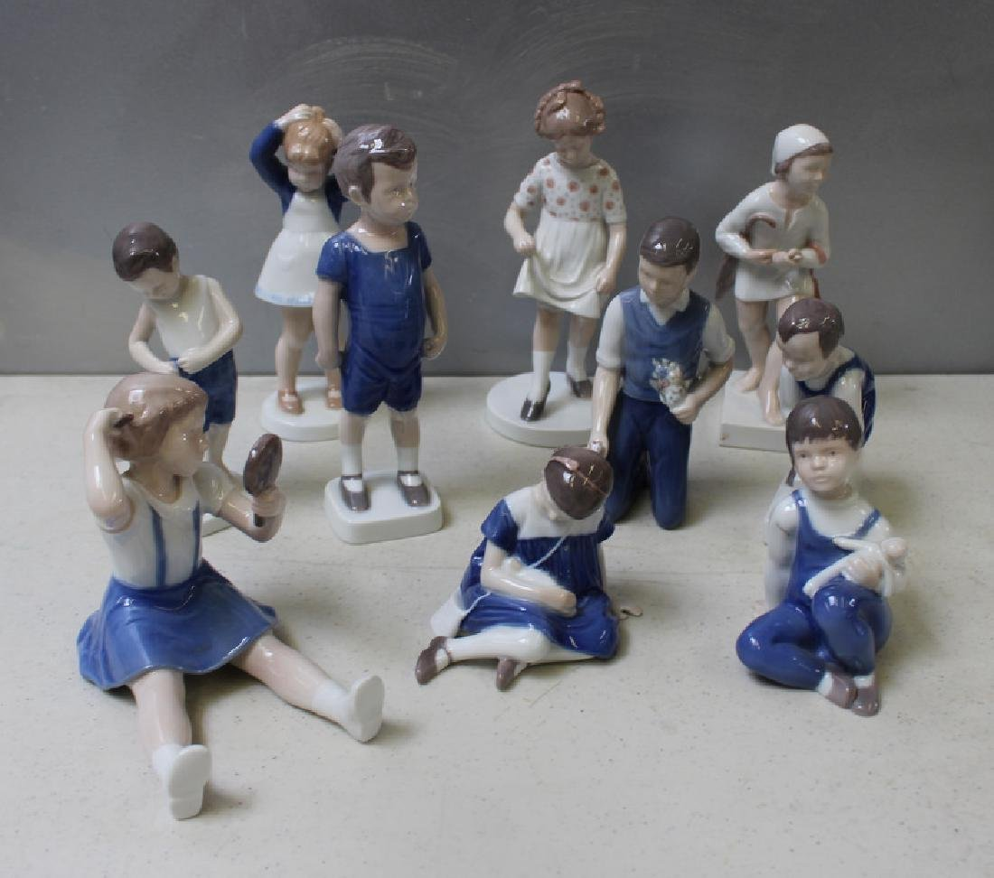 ROYAL COPENHAGEN. Lot of 22 Porcelain Figurines. - 4