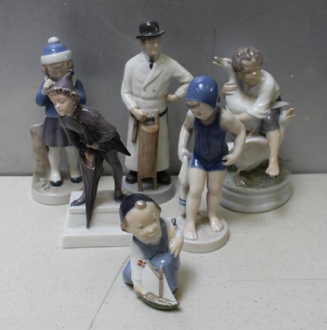 ROYAL COPENHAGEN. Lot of 22 Porcelain Figurines. - 7