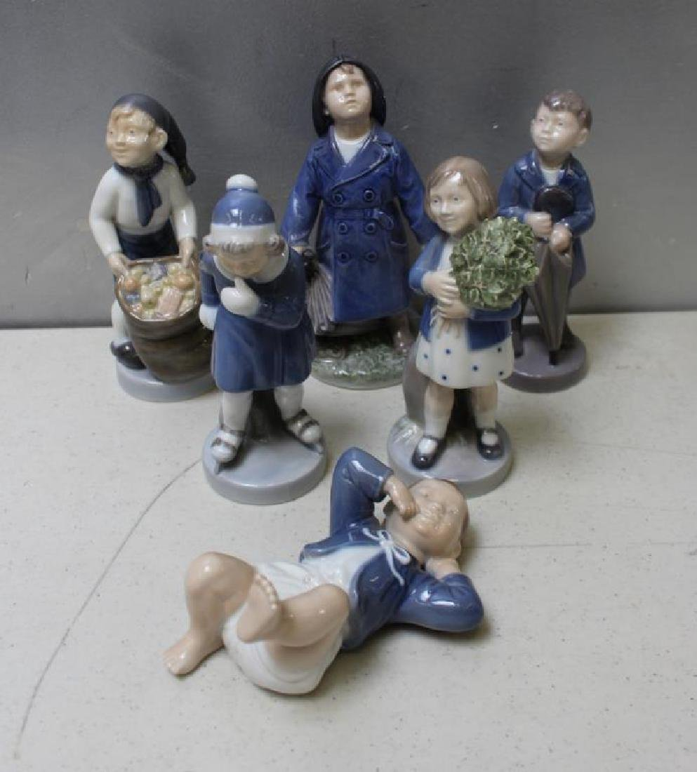 ROYAL COPENHAGEN. Lot of 22 Porcelain Figurines. - 8
