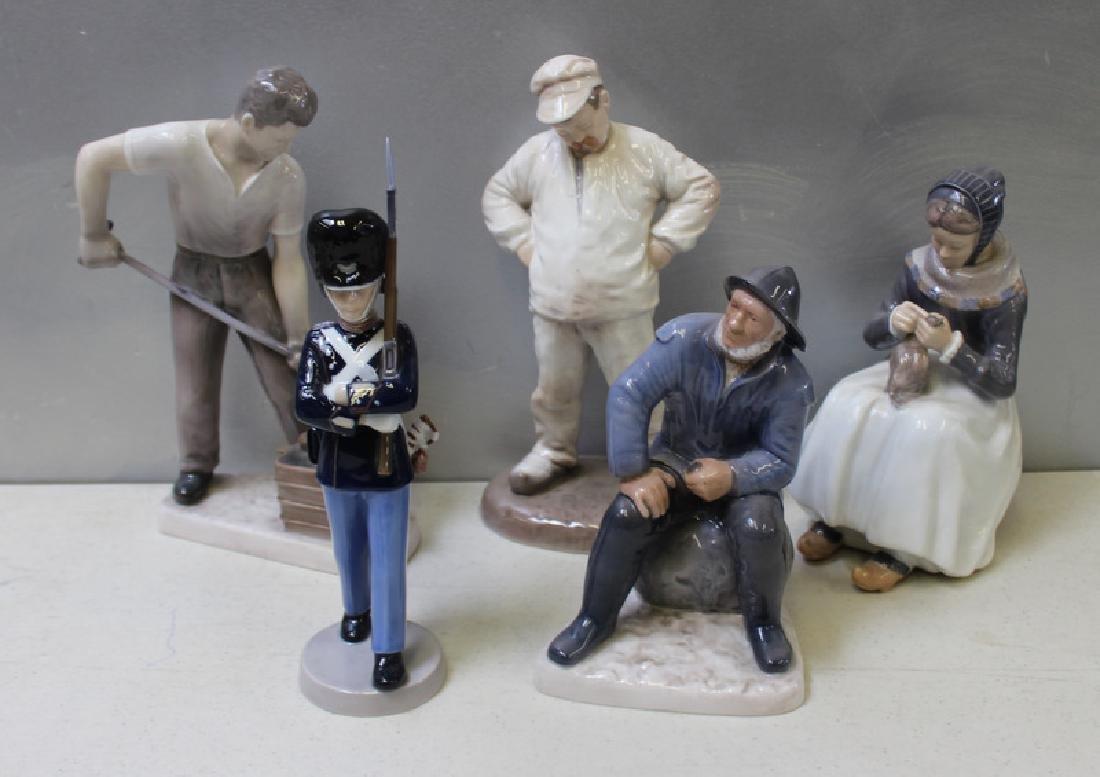 ROYAL COPENHAGEN. Lot of 10 Porcelain Figurines. - 5
