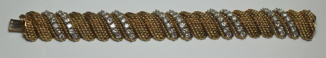 JEWELRY. Signed 18kt Gold and Diamond Bracelet.