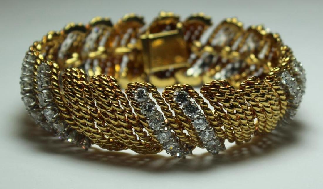 JEWELRY. Signed 18kt Gold and Diamond Bracelet. - 2