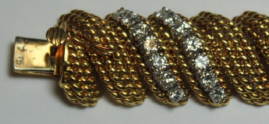 JEWELRY. Signed 18kt Gold and Diamond Bracelet. - 4