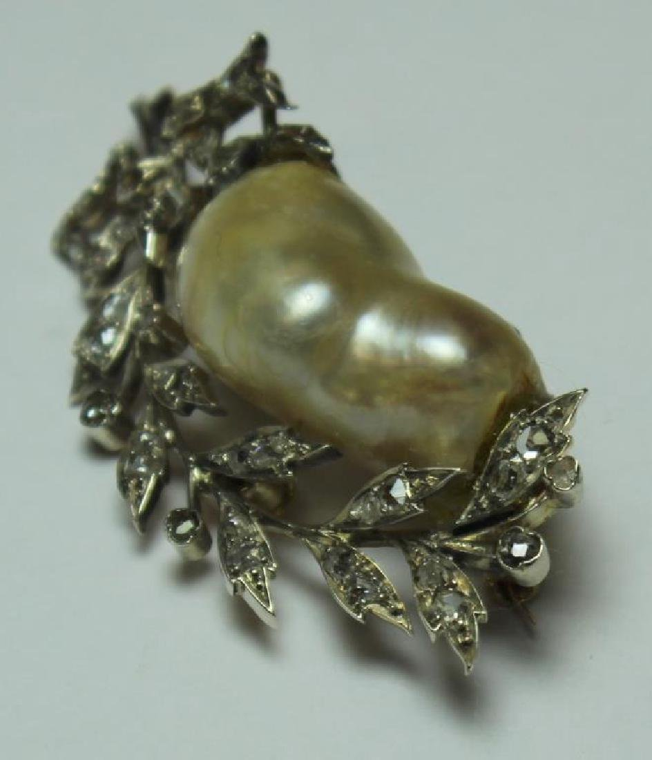 JEWELRY. Antique Baroque Pearl and Diamond Brooch. - 3