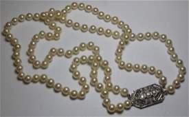 JEWELRY Double Strand of Pearls with an Art Deco