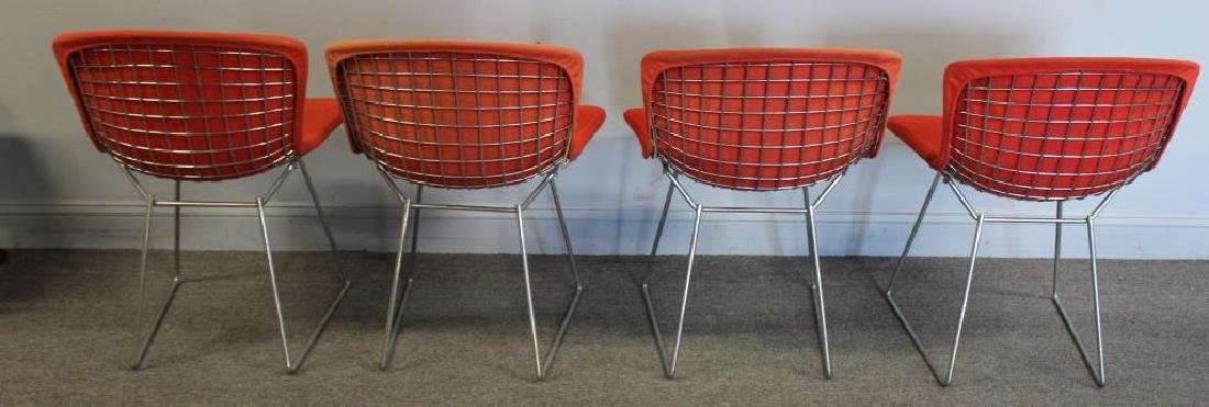 KNOLL. 4 Bertoia Chairs Together with a Knoll - 4