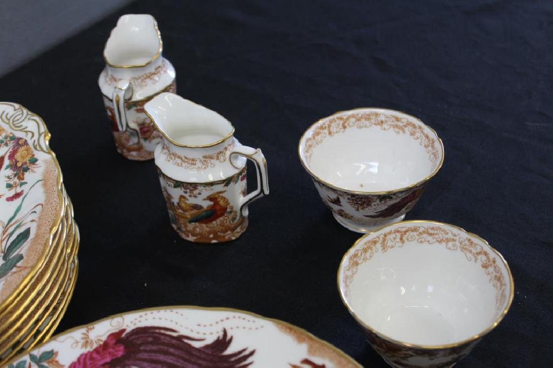 A Set of Royal Crown Derby Olde Avesbury China - 4