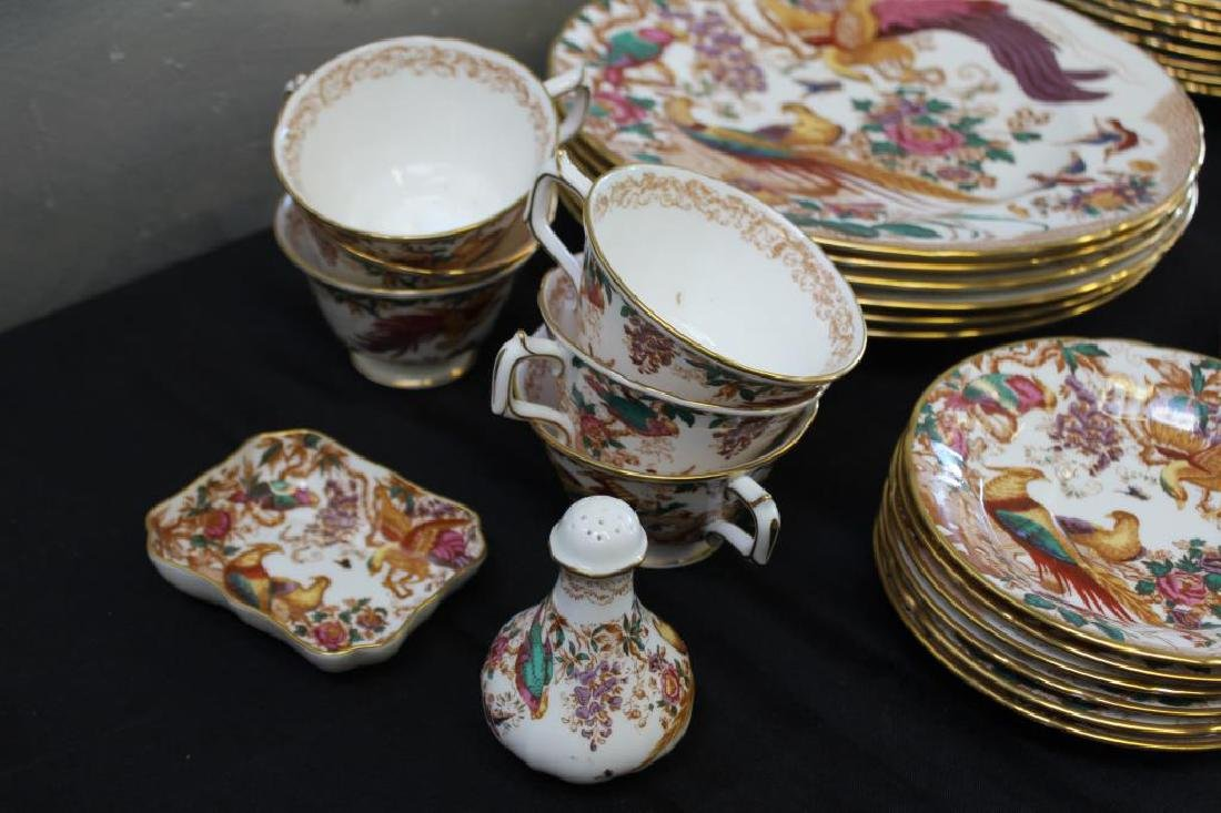 A Set of Royal Crown Derby Olde Avesbury China - 5