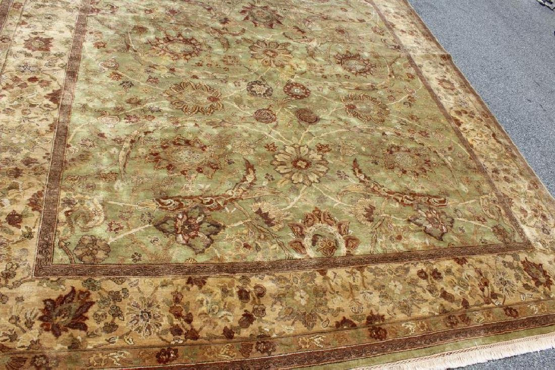Finely Woven Vintage Handmade Roomsize Carpet. - 2