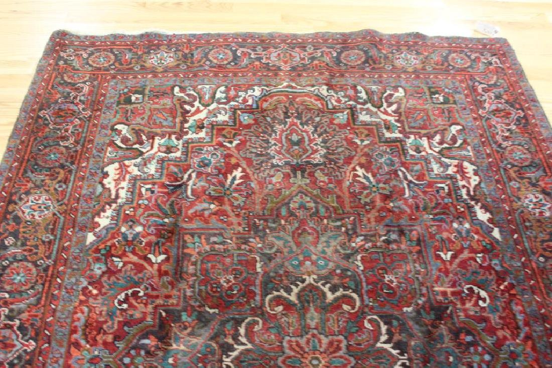 Antique and Finely Hand Woven Roomsize Heriz - 4