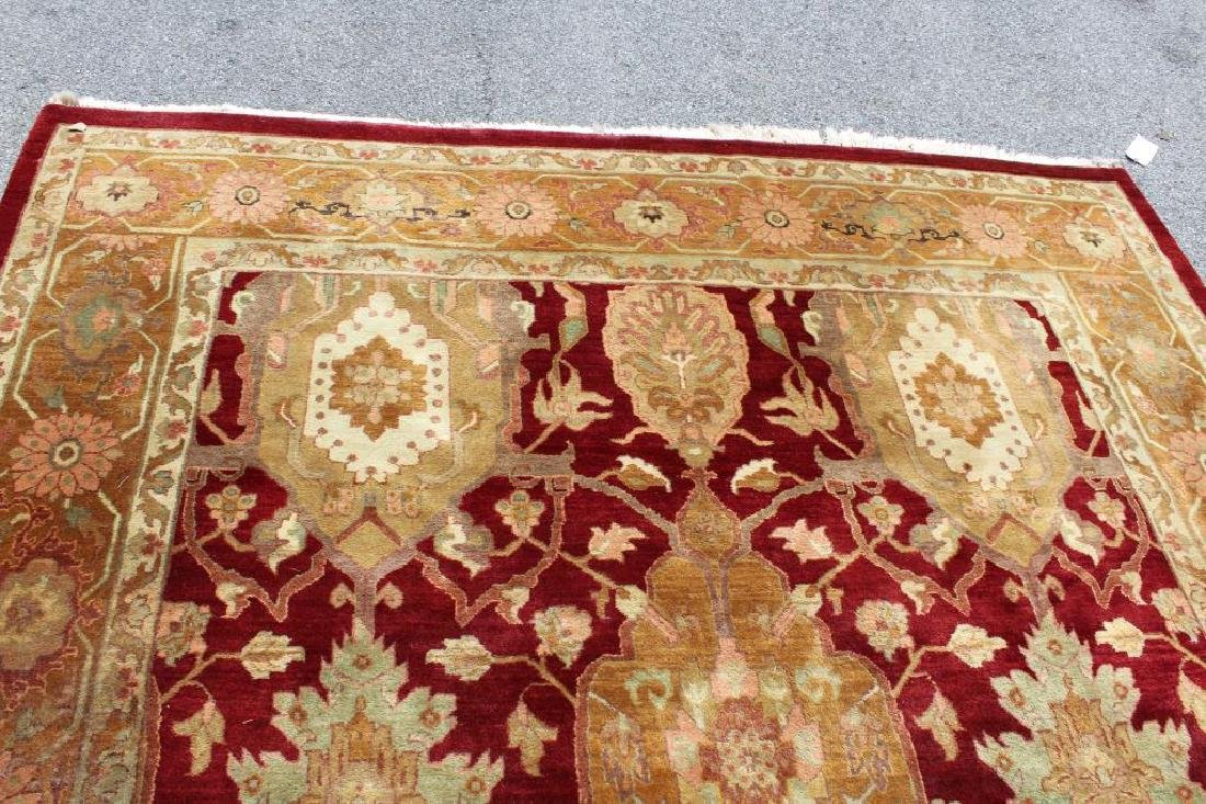Finely Woven Vintage Roomsize Handmade Carpet. - 4