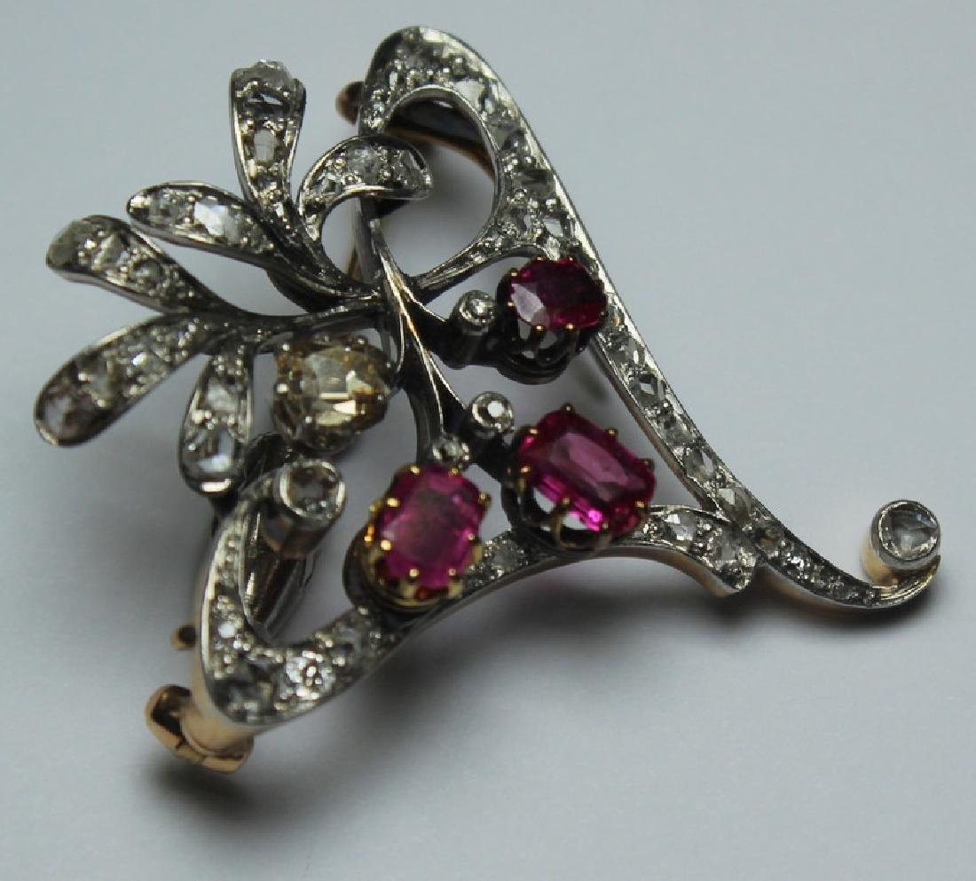 JEWELRY. Antique Diamond, Ruby, and Gold Brooch. - 3