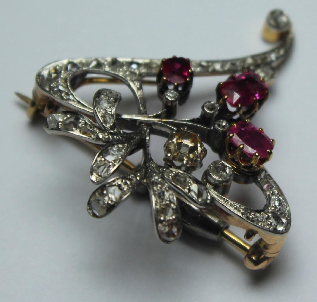 JEWELRY. Antique Diamond, Ruby, and Gold Brooch. - 4