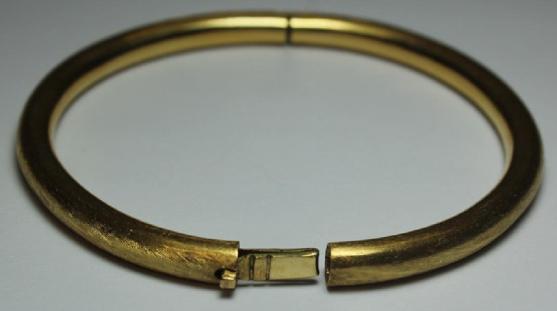 JEWELRY. Pair of Italian 18kt Gold Bracelets. - 4