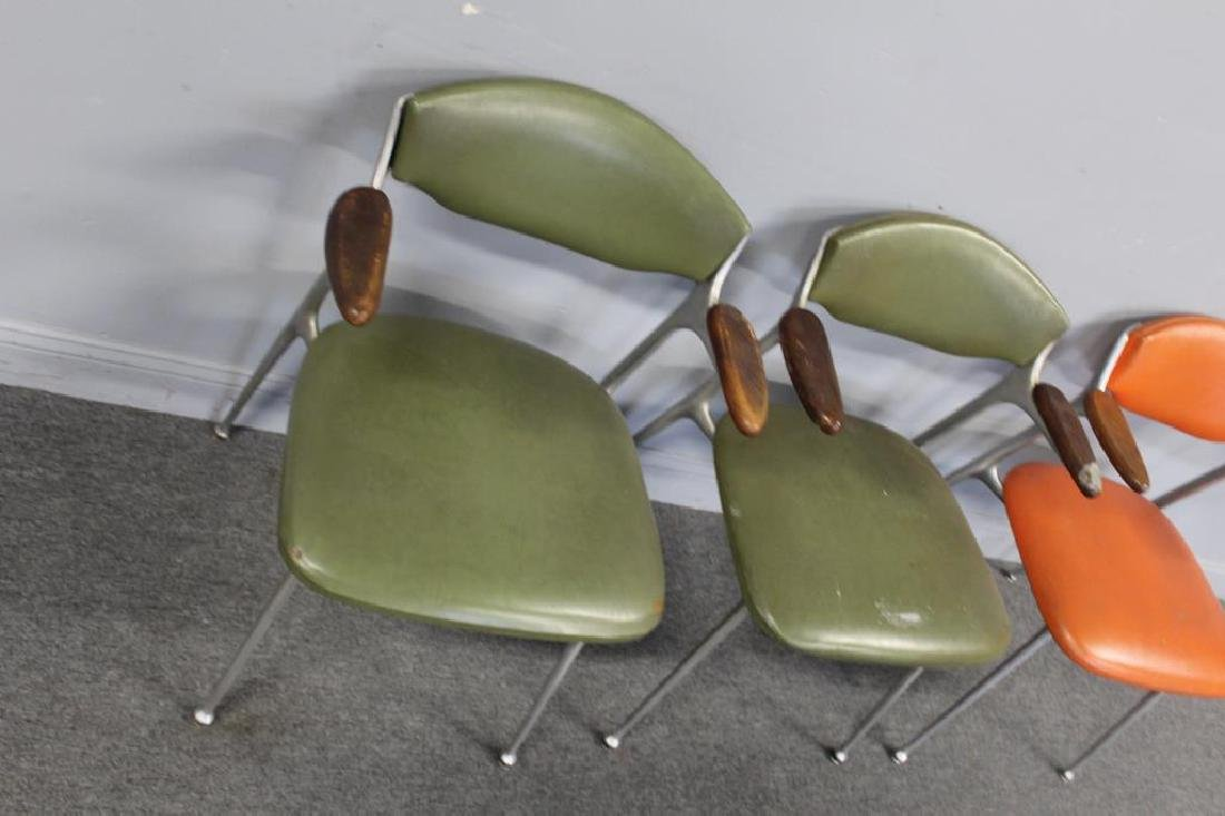 MIDCENTURY. 3 Chairs in Period Upholstery - 3