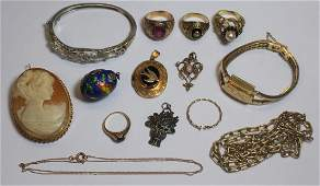 JEWELRY Assorted Grouping of Gold Jewelry