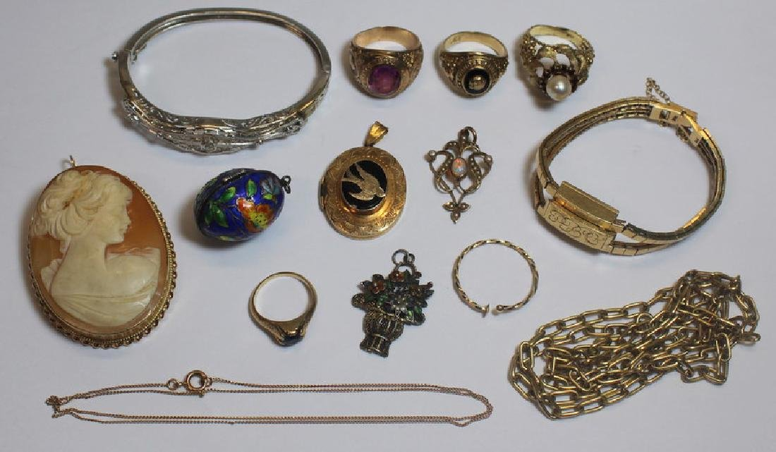 JEWELRY. Assorted Grouping of Gold Jewelry.