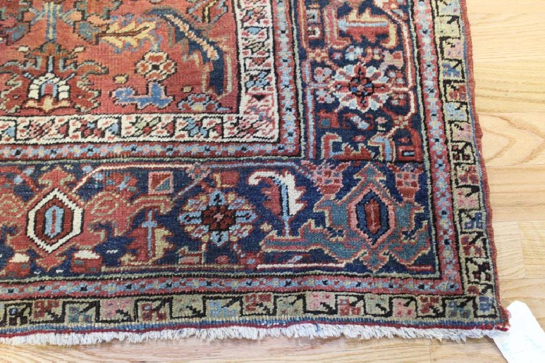Antique and Finely Handwoven Heriz Carpet. - 2