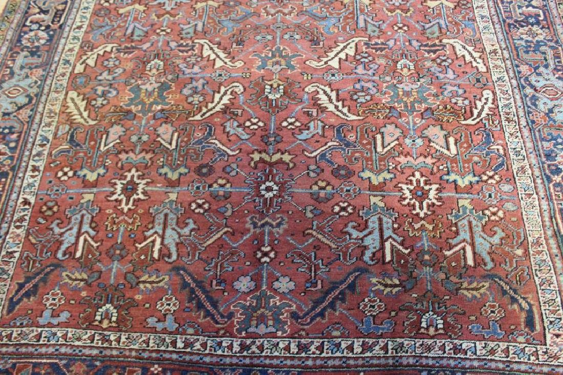 Antique and Finely Handwoven Heriz Carpet. - 3