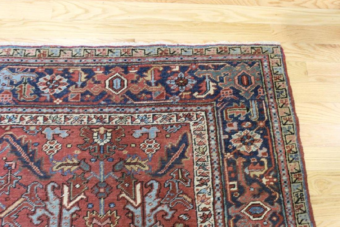Antique and Finely Handwoven Heriz Carpet. - 5