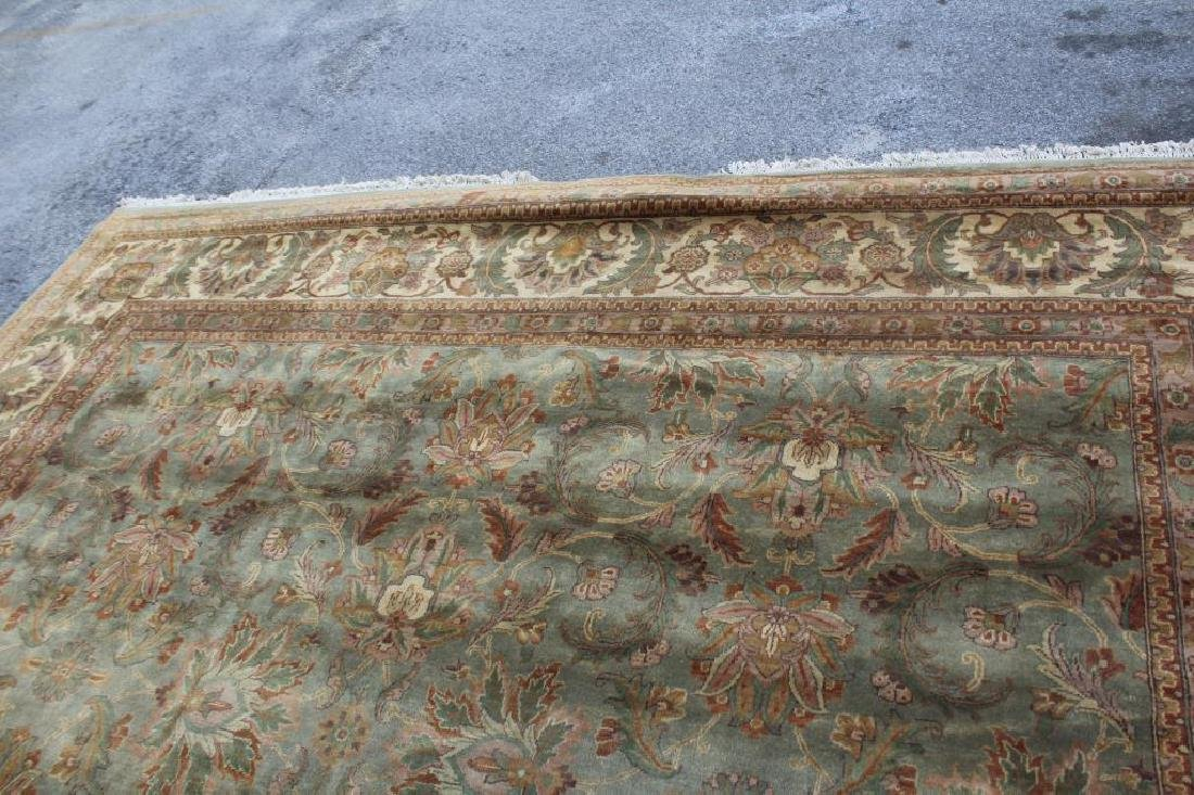 Large Vintage and Finely Handwoven Carpet . - 5