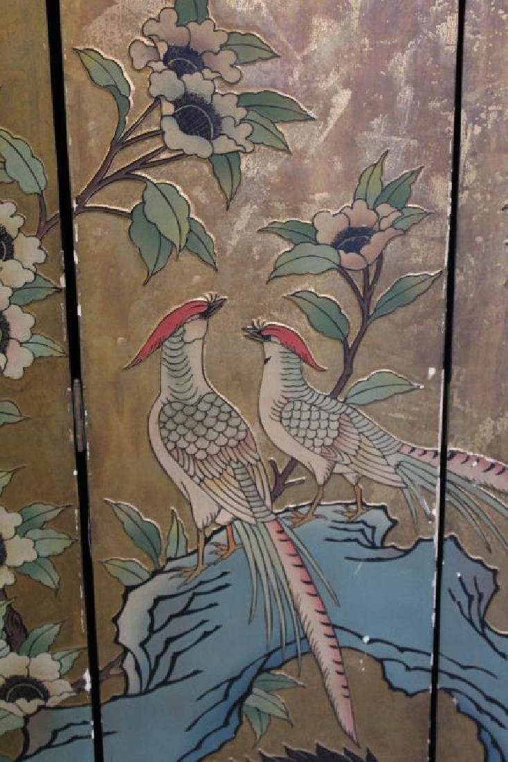 A Pair of Lacquered and Decorated 8 Panel Screens. - 4