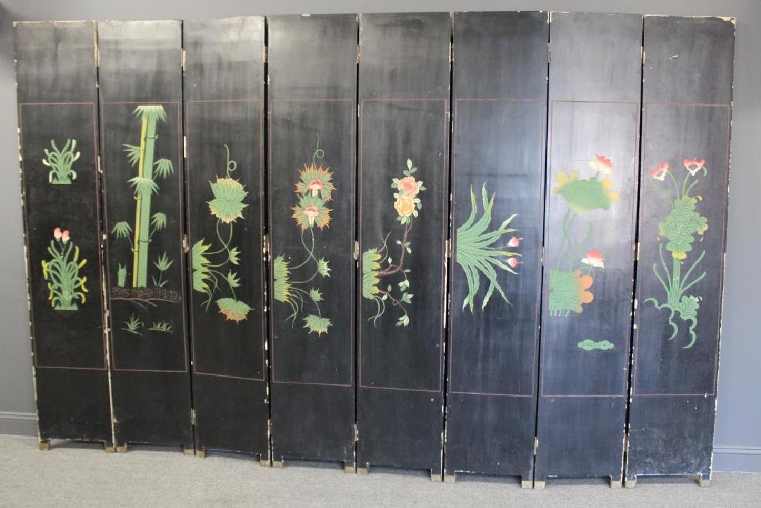 A Pair of Lacquered and Decorated 8 Panel Screens. - 7