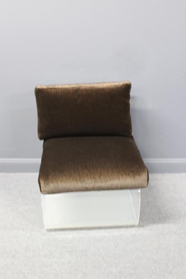 MIDCENTURY. Lucite Chair.