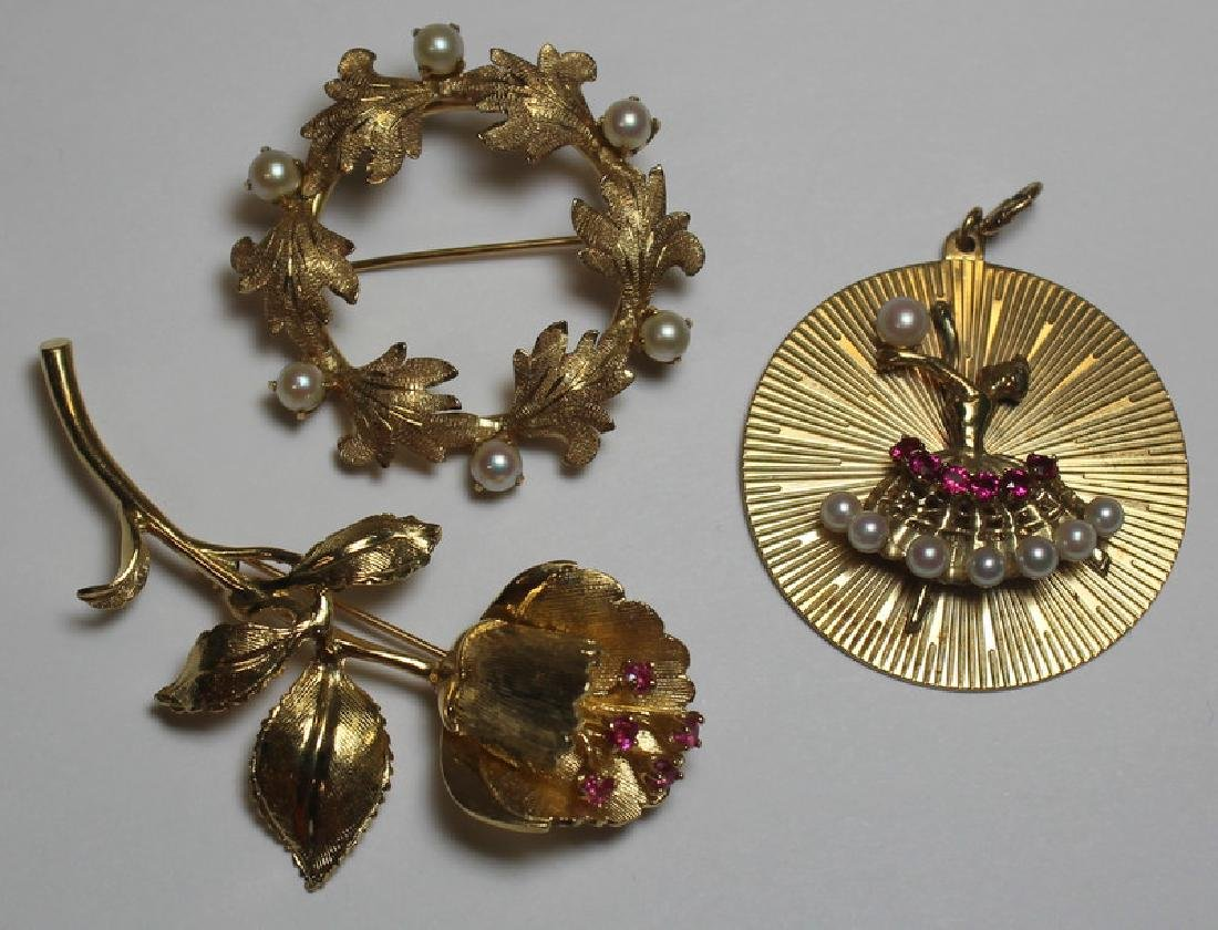 JEWELRY. Assorted 14kt Gold Brooch Grouping.