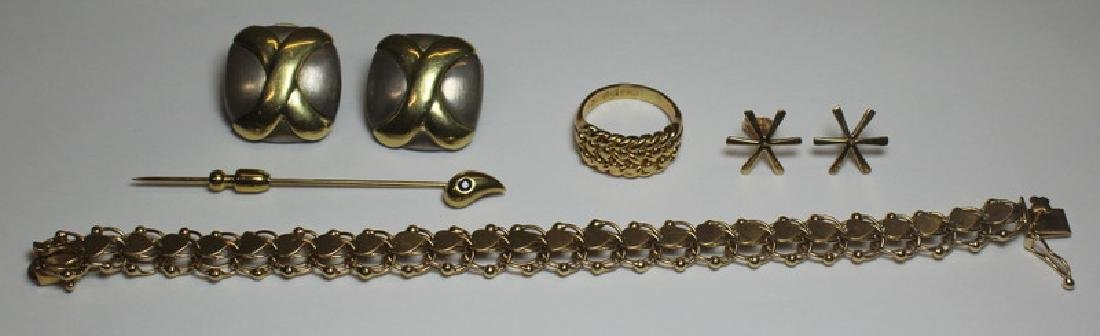 JEWELRY. Assorted 14kt and 18kt Gold Jewelry Group