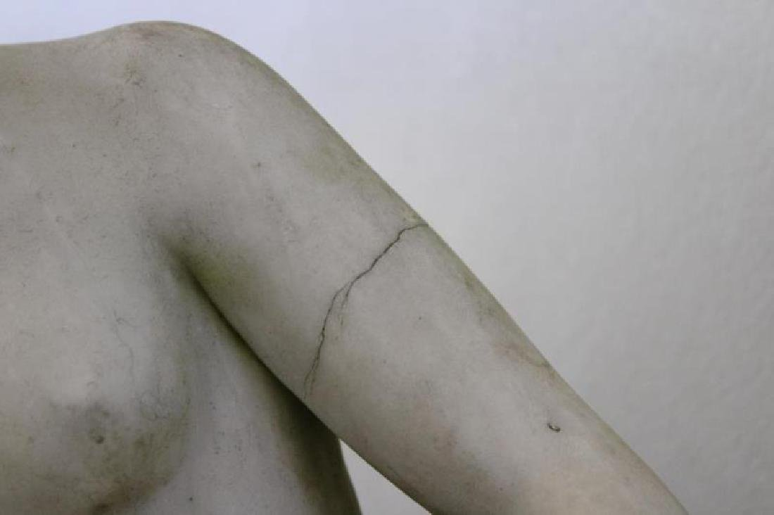 APPARENTLY Unsigned. Marble Female Nude Statue. - 3