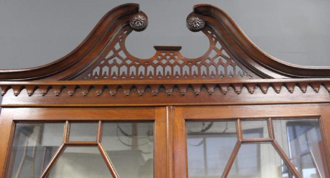 Impressive Antique Mahogany Chippendale Style - 3