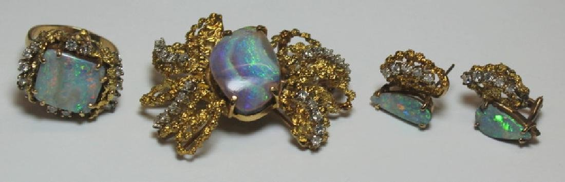 JEWELRY. 14kt Gold, Opal, and Diamond Suite.