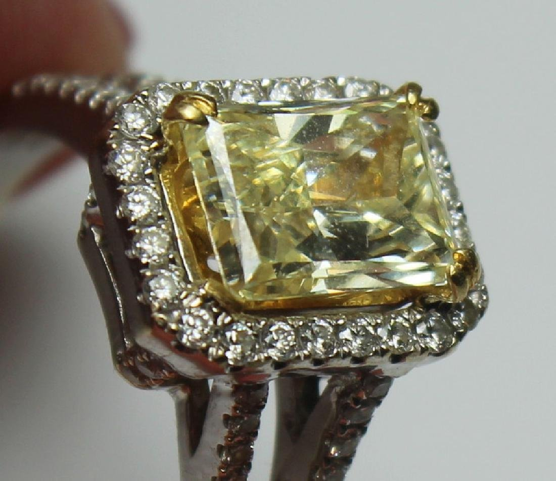 JEWELRY. 18kt Gold and Yellow Diamond Engagement - 10