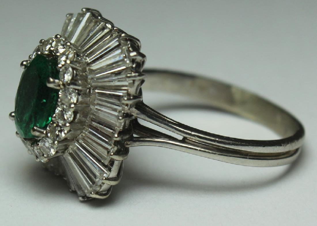 JEWELRY. Emerald and Diamond Cocktail Ring. - 3