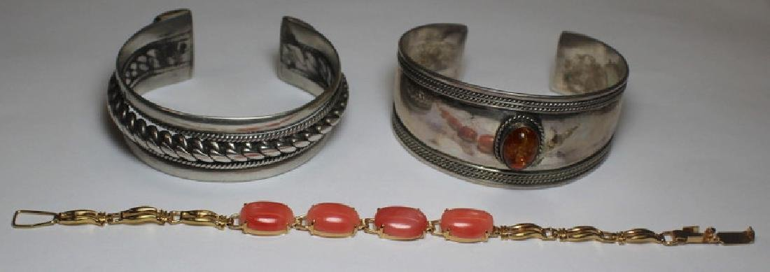JEWELRY & STERLING. Assorted Grouping of Objects. - 6